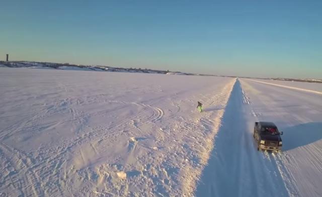 snowboarding-dettah-ice-road