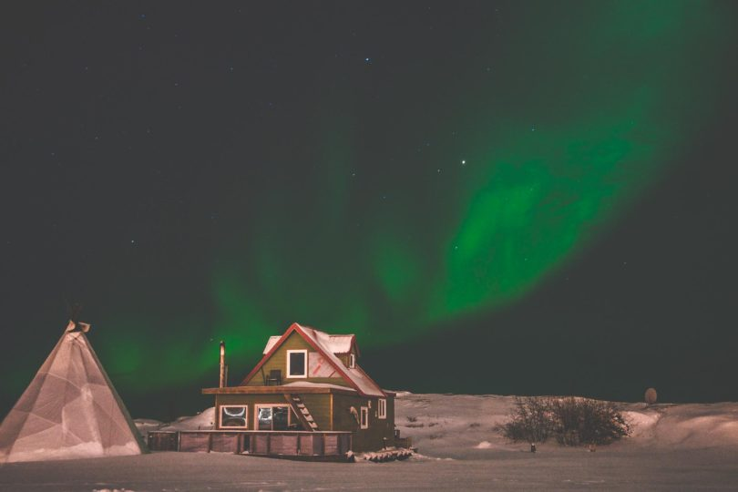 Yellowknife Aurora over Houseboat